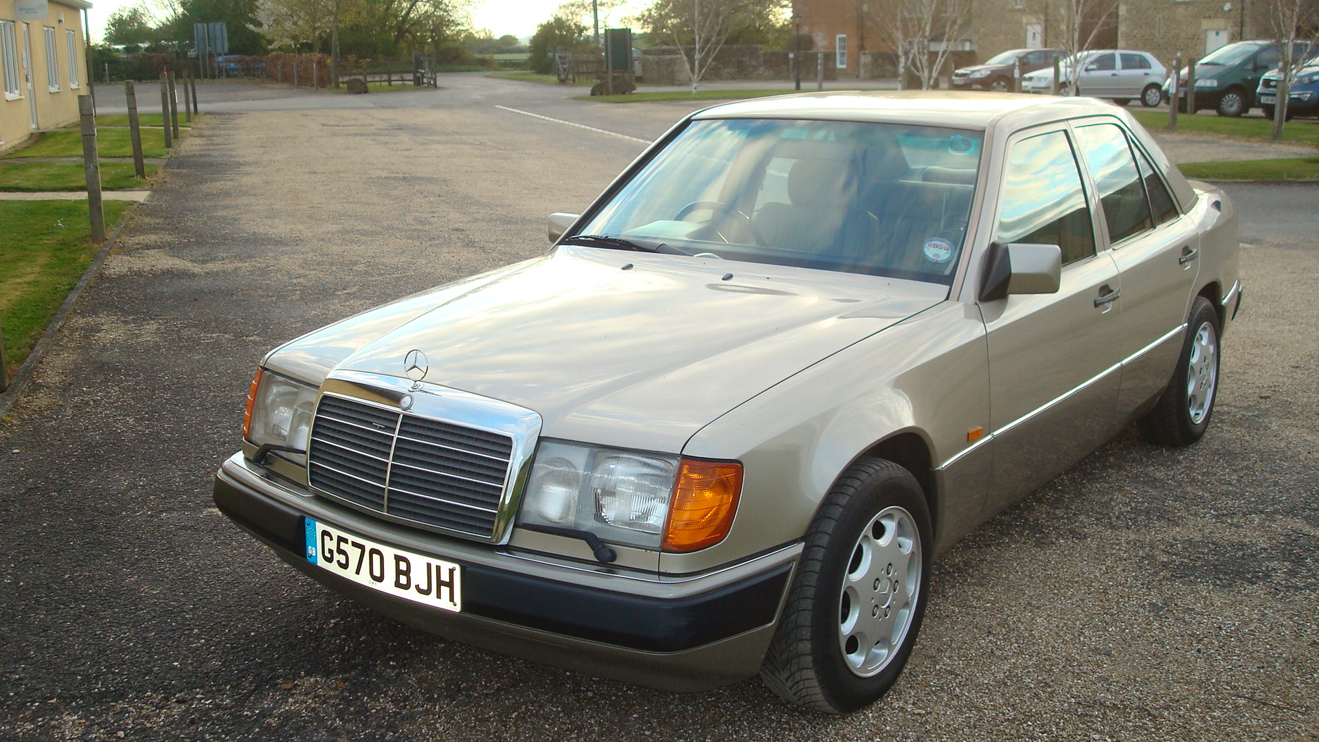 Mercedes benz w124 300e country classics country classics for What country makes mercedes benz cars